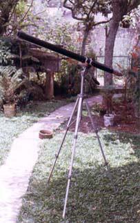 Luneta montada em um tripé